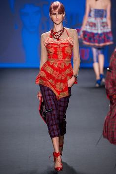 See the complete Anna Sui Spring 2013 Ready-to-Wear collection.