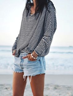 # 47 New York Sommer Outfits Ideen Die Sie Wissen Sollten - afabcecfd Looks Street Style, Looks Style, Look Fashion, Fashion Outfits, Womens Fashion, Fashion Trends, Beach Style Fashion, Feminine Fashion, Fall Fashion