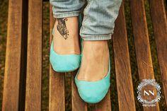 A Castanna, além de acompanhar tendências e ser super estilosa, tem como requisito básico o uso de materiais de alta qualidade, e oferece, acima de tudo, muito conforto para os seus pés!