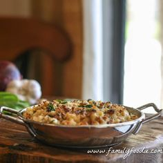 Spinach Prosciutto Macaroni and Cheese with Walnut Topping