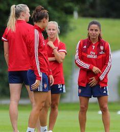 Women's Football, Football Girls, Arsenal Women, Soccer Girls, Soccer Training, Mead, Psg, Soccer Players, Rainbows