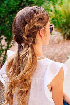 Easy braids for long or medium length hair. Easy braids for long or medium length hair. Down Hairstyles, Summer Hairstyles, Trendy Hairstyles, Prom Hairstyles, Hairstyle Ideas, Short Haircuts, Pigtail Hairstyle, Layered Hairstyles, Summer Hairdos