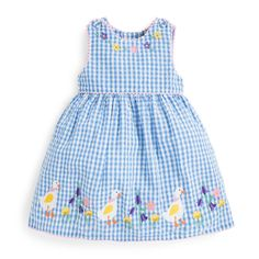 Mädchen Gingham Duck Appliqué Kleid – Clare Foskett – Join in the world Girls Summer Outfits, Little Girl Dresses, Kids Outfits, Girls Dresses, Dress Girl, Baby Dresses, Baby Frocks Designs, Baby Girl Dress Patterns, Applique Dress