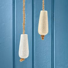 Are you interested in our traditional ceramic light pull? With our cream bathroom light pull you need look no further.
