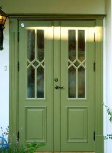 Dører - Rebergsvik Porch Doors, Porch Entry, Windows And Doors, Grill Door Design, Sweden House, Red Houses, Room Divider Doors, Front Door Colors, Paint Colors For Home