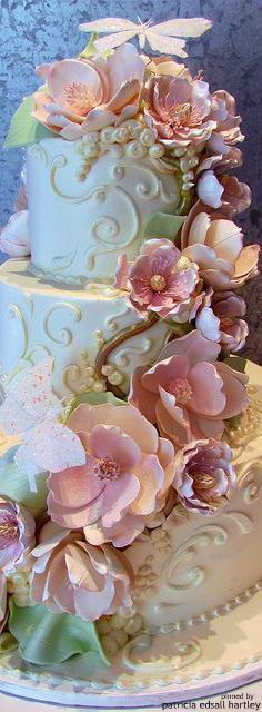 Elegant wedding cakes by lorrie by aida Amazing Wedding Cakes, Elegant Wedding Cakes, Amazing Cakes, Cake Wedding, Floral Wedding, Gorgeous Cakes, Pretty Cakes, Bolo Floral, Floral Cake