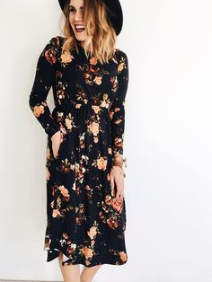 Floral Midi in Black | ROOLEE