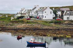Portnahaven with An Tigh Seinnse pub, Isle of Islay