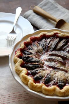 Recipe: End of Summer Prune Plum Pie- This pie is ALL about these sweet little early Autumn plums. Vegans and kosher keepers sub 2 TB vegan margarine for the butter. No compromise in flavor! Plum Tart, Plum Pie, Fall Dessert Recipes, Fall Desserts, Plum Desserts, Breakfast Recipes, Dinner Recipes, Dessert Ideas, Prune Recipes