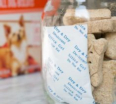 Utilisez des sachets de silice pour conserver la nourriture pour chien