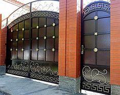 Кованые ворота, с их неповторимым дизайном и тонкой работой, заслужено могут называться произведением искусства. Художественная ковка на сегодняшний день House Main Gates Design, Fence Gate Design, Steel Gate Design, Front Gate Design, Entrance Design, Balcony Grill Design, Grill Door Design, Balcony Railing Design, Simple Gate Designs