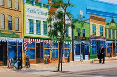 Ashland has more than a dozen large murals on the sides of landmark buildings. Its mural walk is listed on the National Register of Historic Places.