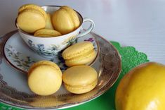 Guide til macarons Cupcake Cookies, Macaroons, Pesto, Bacon, Muffin, Sweets, Bread, Breakfast, Desserts