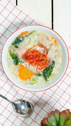 Sup Telur Bakso Sosis - Modern Asian Recipes, Real Food Recipes, Cooking Recipes, Yummy Food, Healthy Recipes, Tiny Food, Malay Food, Kitchen Recipes, No Cook Meals