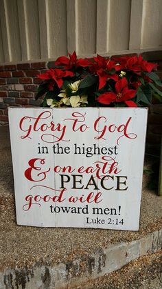 Christmas sign.  Glory to God in the highest.   Measures 24x24. You can also follow me on my Facebook page Designs by Vena or on Instagram @vena_hallahan.  #designsbyvena #customsigns #handpainted #becreative #glorytogodinthehighest