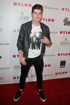 Gregg Sulkin -- See Your Fave Stars' Incredible Party Fashions | Twist