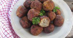 Κυπριακοί κεφτέδες Greek Recipes, Hot Dogs, Sandwiches, Meals, Ethnic Recipes, Cook, Meal, Greek Food Recipes, Paninis