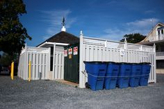Recycling toters are available throughout the marinas.