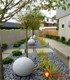 Steal these cheap and easy landscaping ideas for a beautiful backyard. Get our best landscaping ideas for your backyard and front yard, including landscaping design, garden ideas, flowers, and garden design. Low Water Landscaping, Landscaping With Rocks, Modern Landscaping, Front Yard Landscaping, Landscaping Design, Backyard Designs, Stone Landscaping, Outdoor Landscaping, Patio Design