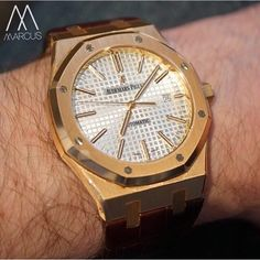 Chilling this Sunday afternoon with the Audemars Piguet Royal Oak 41mm in rose gold on brown leather strap.