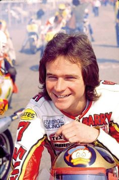 "Barry Sheene - the ultimate ""cheeky chappy"" Motorcycle Racers, Bike Shed, Michael Schumacher, Classic Motors, Old Bikes, Valentino Rossi, Sports Stars, Champions, Road Racing"