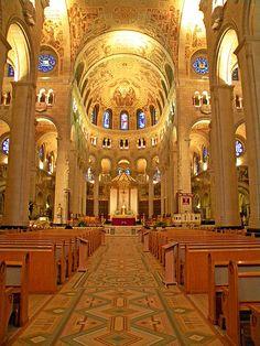 Basilique St Anne de Beaupre , Québec