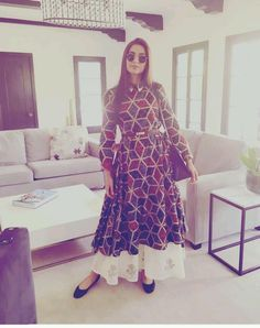 Looking for a similar geometric print anarkali long shirt with white palazzos as the one Sonam Kapoor is wearing Pakistani Dresses, Indian Dresses, Indian Outfits, Simple Dresses, Casual Dresses, Fashion Dresses, Girls Dresses, Indian Attire, Indian Wear