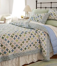 not a link to the quilt, but love this look...might be my next big hand-pieced project