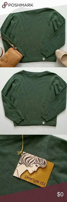 Cashmere Sweater in Green NWT & Vintage Brand new with tags, vintage. Luxury in knits defined with elegance. 100% imported cashmere-rare and precious yarn that's butter-soft. Downey Ltd. fashions it skillfully, styles it w/individuality to create a sweater that you'll be proud to wear. As w/all fine things, proper care means longer wear. Simply shake out wrinkles & carefully fold into your drawer. Never use a hanger. Durably mothproofed w/mitin, non-toxic. A size 40 tag is stapled on front…
