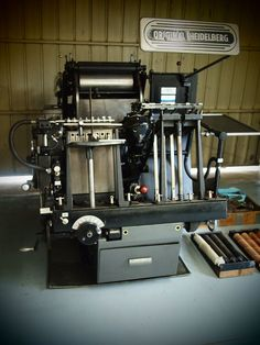 Heidelberg 1973 - T Platen Windmill Printing Press, 3d Printing, Printing Websites, Letter Press, Letterpress Printing, Ancient Art, Typography, Fire, Studio