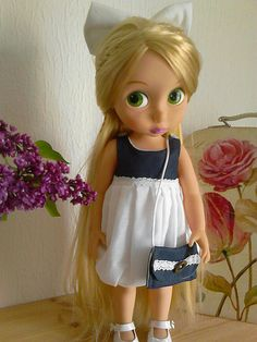 Robe bleu marine et blanc Disney Toddler Dolls, Disney Princess Toddler, Reborn Toddler Dolls, Disney Dolls, Disney Diy, Baby Disney, Pretty Dolls, Beautiful Dolls, Disney Animators Collection Dolls