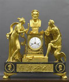 Arts décoratifs Premier Empire - André-Antoine Ravrio (1759-1814) : Pendule ornée de deux figures entourant le buste d'Homère