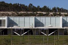 Habitações em banda no Bom Sucesso  / Inês Lobo Arquitectos