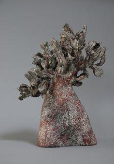 Agnes His & Daniele Robbiani - Galerie Jonas Sculptures Céramiques, Sculpture Art, Kintsugi, Ceramic Texture, Ceramic Techniques, Ceramic Flowers, High Art, Contemporary Ceramics, Ceramic Clay