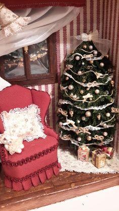 Angolo natalizio. Tree Skirts, Christmas Tree, Holiday Decor, Home Decor, Teal Christmas Tree, Decoration Home, Room Decor, Xmas Trees, Christmas Trees