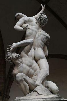 1579.Rape of the Sabine Women by Giambologna. Statues in the Loggia dei Lanzi. Florence (Italie) L'Enlèvement des Sabines (1579-83)