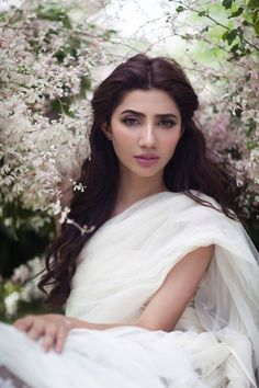 Yes, Mahira Khan has recently done this shoot for OK Pakistan Magazine, and there is no doubt about it that she is looking beautiful and one of the gorgeous. Pakistani Models, Pakistani Actress, Bollywood Actress, Pakistani Dramas, Pakistani Outfits, Mahira Khan Photos, Beautiful Celebrities, Beautiful People, Beautiful Ladies