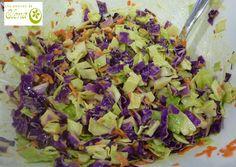 Ensalada de col al comino. http://www.lospostresdeelena.com/2013/10/ensalada-de-col-al-comino.html