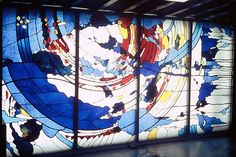 Commission: A NEW WORLD Formerly locatied at Barclays Bank. Central, Hong Kong Materials: leaded glass, dalle de verre Dimensions: 4m x 2m © Kristin Newton