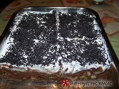 Το μπισκοτόγλυκο της απόλαυσης #sintagespareas Greek Desserts, Greek Recipes, Cake Cookies, Cupcake Cakes, Sweets Recipes, Cooking Recipes, Happy Foods, Recipe Images, Food And Drink