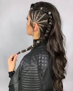 21 Wedding Braided Hair Can I wash my braids? Braided Hair Styles For Kids Baddie Hairstyles, Pretty Hairstyles, Braided Hairstyles, Kid Hairstyles, Hairstyle Ideas, Side Braid With Curls, Side Braids, Hair Places, Curly Hair Styles