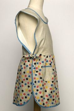 Apron with side ties