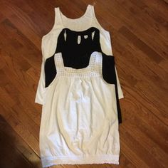 OLD NAVY TANK TOPS 3 Old Navy Tank Tops   2- white & 1- black  all size large    Excellent condition Old Navy Tops Tank Tops