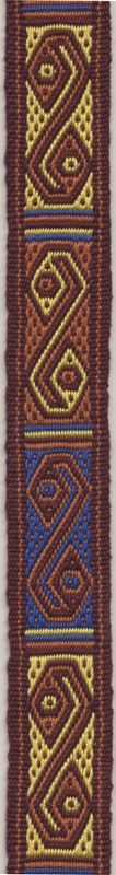 Peruvian motif on a double woven band in pebble weave. Tablets with holes in the middle of the sides make weaving this kind of patterns rather simple. Woven by Marijke van Epen