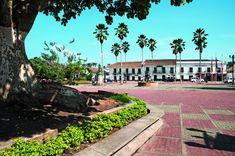 Foto:LETRARTE EDITORES/ ANTONIO CASTAÑEDA BURAGLIA Sidewalk, Mansions, House Styles, Travel, Beautiful, Magdalena, Beauty, Colombia, Barichara