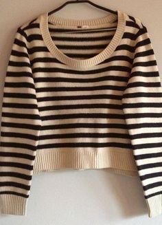 Kup mój przedmiot na #vintedpl http://www.vinted.pl/damska-odziez/swetry-z-dzianiny/7972542-bezowy-swetersweterek-w-czarne-paski-basic