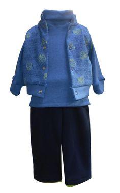 Chaleco de felpa estampada,  playera manga larga cuello alto y pantalón de felpa con vistas. Tallas 3, 6, 12 y 18 meses.