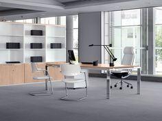 Muebles de oficina de la serie Concepto con acabados en madera natural y metal, diseñados por Estelles design. Mueble moderno para oficinas direccionales.