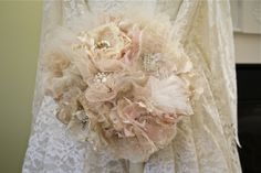 The Polka Dot Closet: Fabric Flower Bridal Bouquet how to make