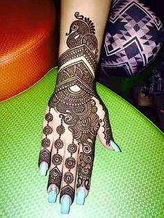 Henna Design By Fatima Mehndi Designs For Girls, Indian Mehndi Designs, Stylish Mehndi Designs, Wedding Mehndi Designs, Mehndi Design Pictures, Beautiful Mehndi Design, Mehndi Images, Mehendi, Henna Mehndi